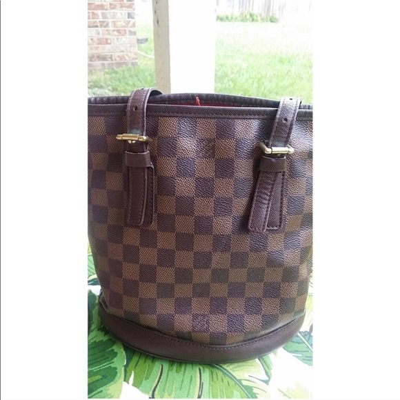 df9d1ec0a5ae5 Louis Vuitton Handbags - Louis Vuitton Damier Ebene Marias Bucket Bag